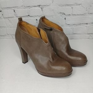 Alberto Fermani Taupe leather ankle bootie Sz 9